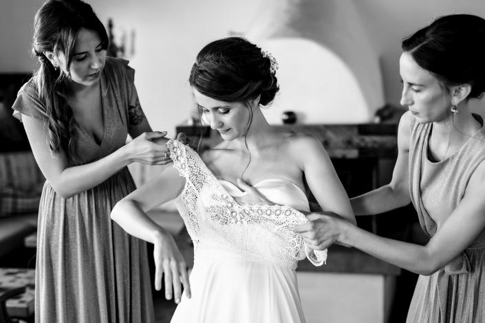 Matrimonio all'Alpe di Siusi - vestizione sposa