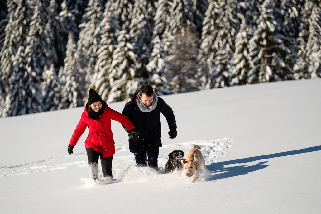Engagement su Cima Larici ad Asiago - coppia sulla neve
