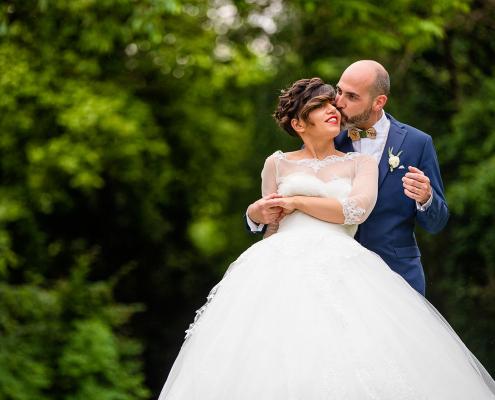 Matrimonio a Villa Caprera - sposi nel giardino