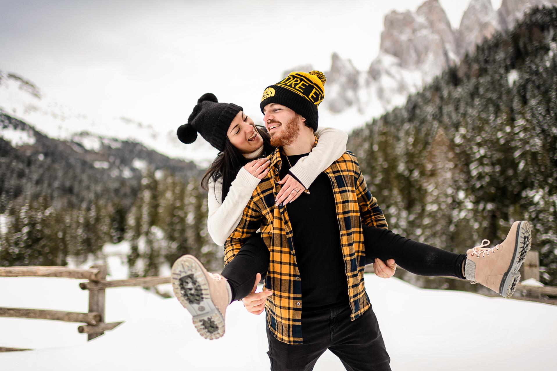 servizio fotografico coppia - engagement montagna