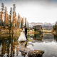 Trash the dress in Val Badia - bacio in mezzo al lago