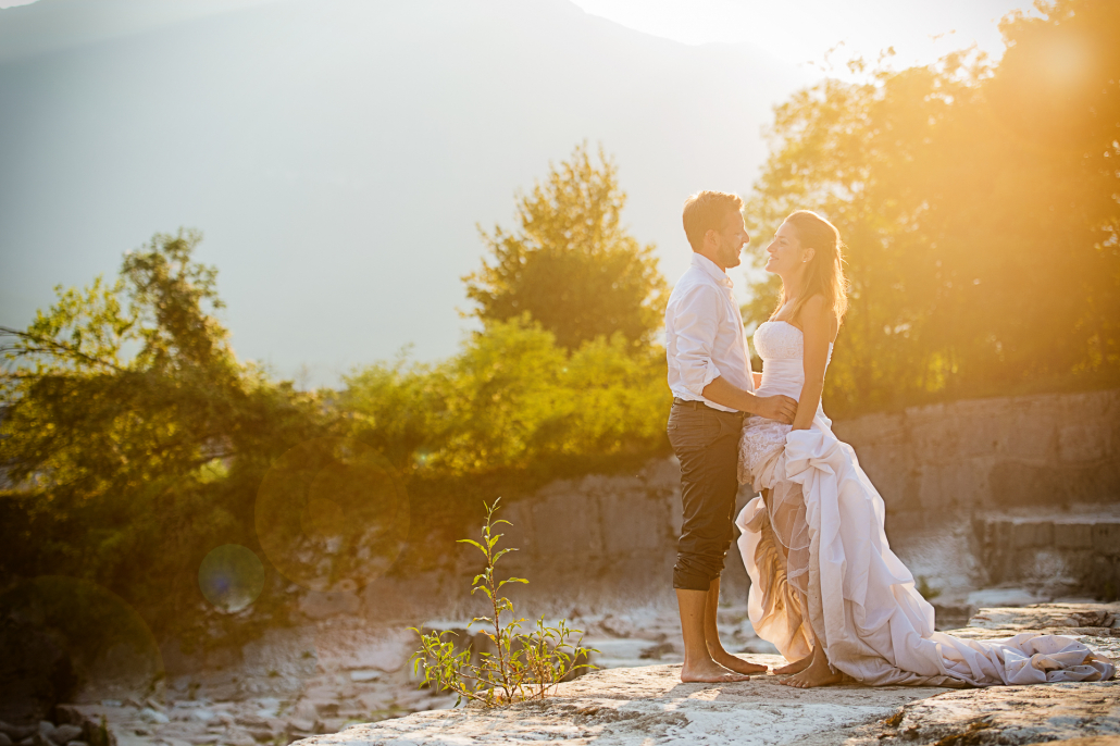 trash the dress - sposi al tramonto
