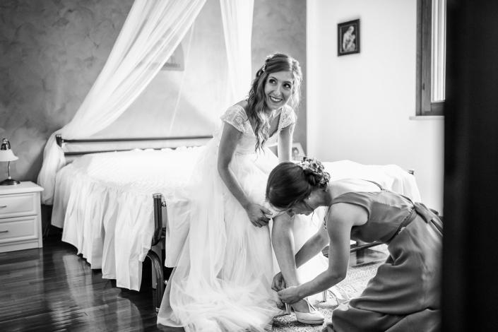 Matrimonio alle Colombare - vestizione sposa